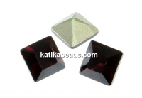 Swarovski, fancy chaton square, burgundy, 3mm - x10